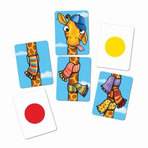 070 Giraffes In Scarves Cards Close Up Rgb
